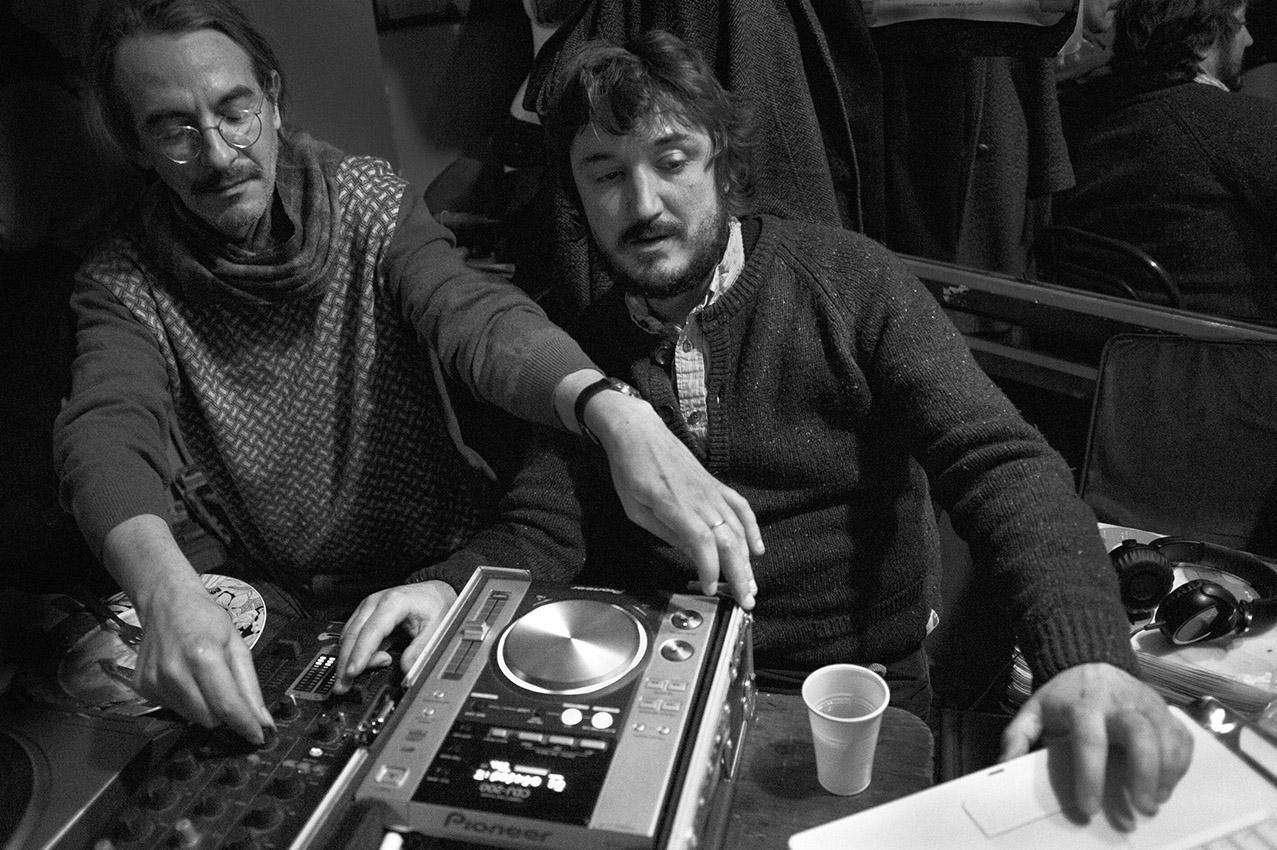 Los Dos Hermanos – Monsieur Gadou et ses guitares, el Selector Andaluz et sa collection de disques
